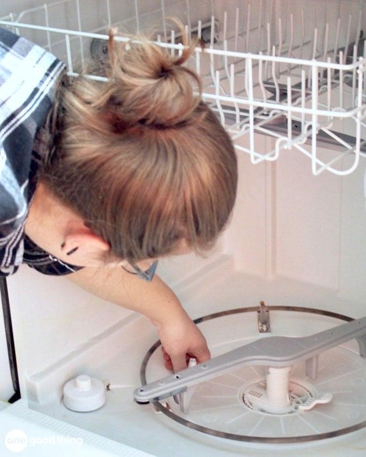 Làm thế nào để làm sạch máy rửa chén của bạn