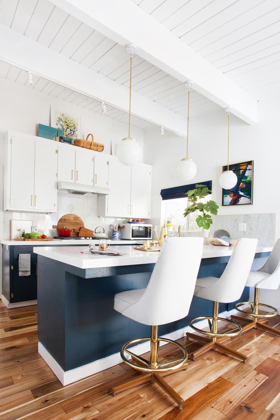 Tận Dụng không gian Giữa Tủ Bếp và Trần nhà